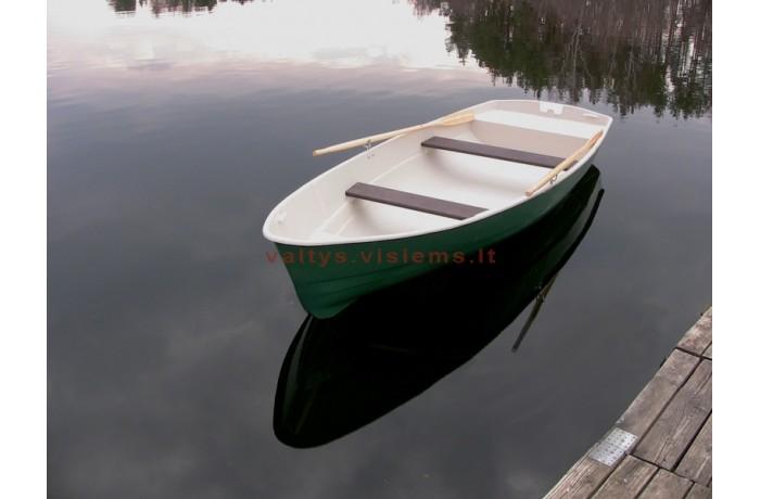 Plastikinė valtis RC435...
