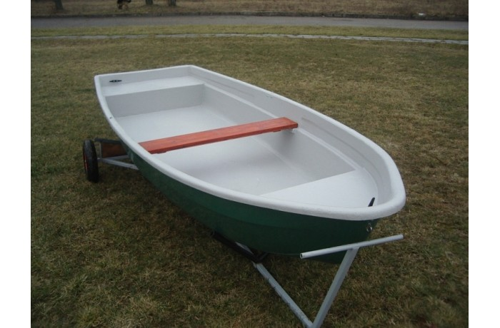 Plastikinė valtis RC420P...