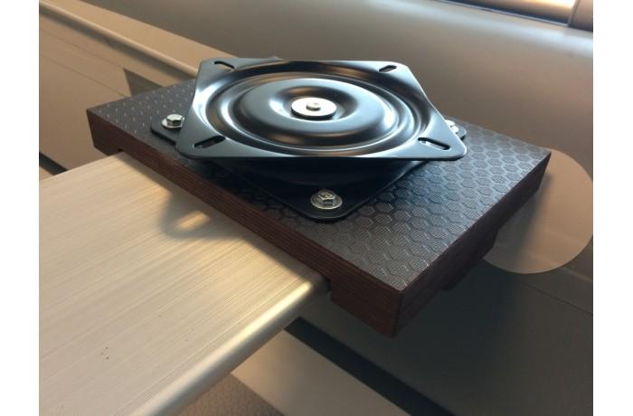 Platforma kėdei su pasukimu