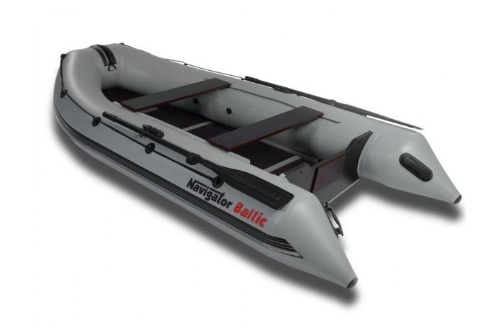 Navigator Baltic H330 boat