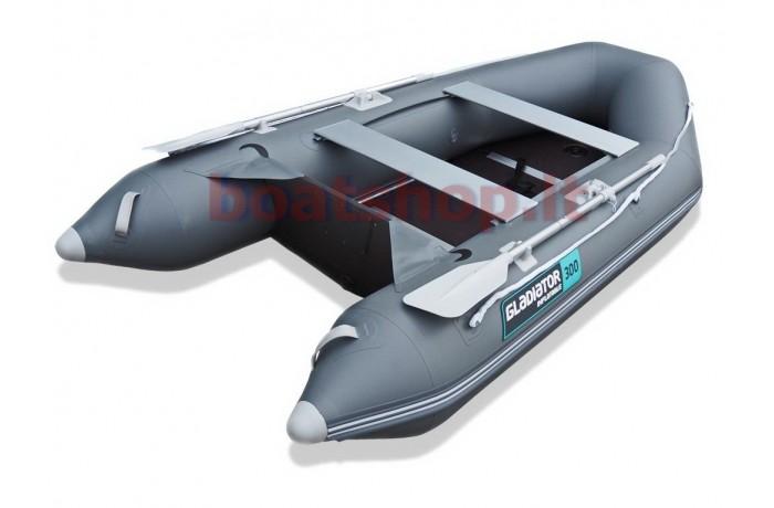 Gladiator AK320 boat
